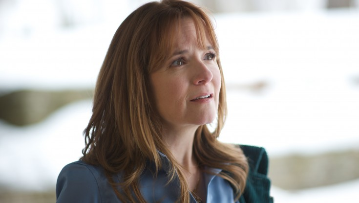 Back to the Movies for Lea Thompson – 2 Photos