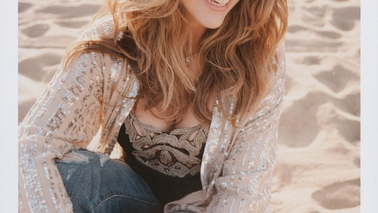 Rita Wilson Tunes Up for 'AM/FM' CD – 2 Photos