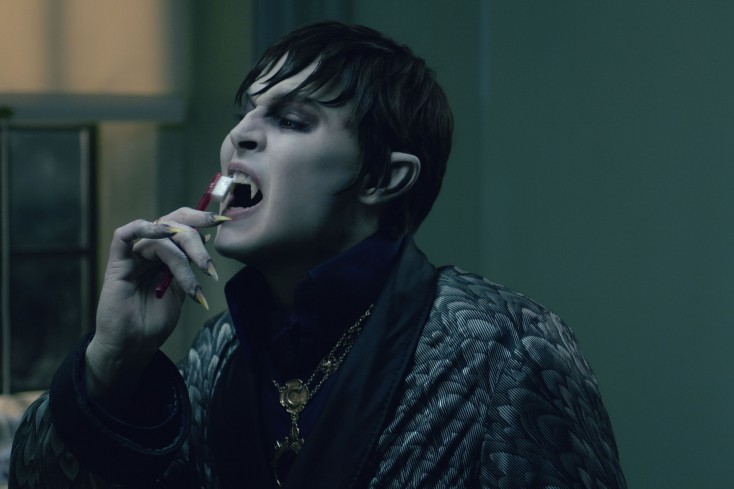 Johnny Depp Sinks Teeth Into 'Dark Shadows' Role
