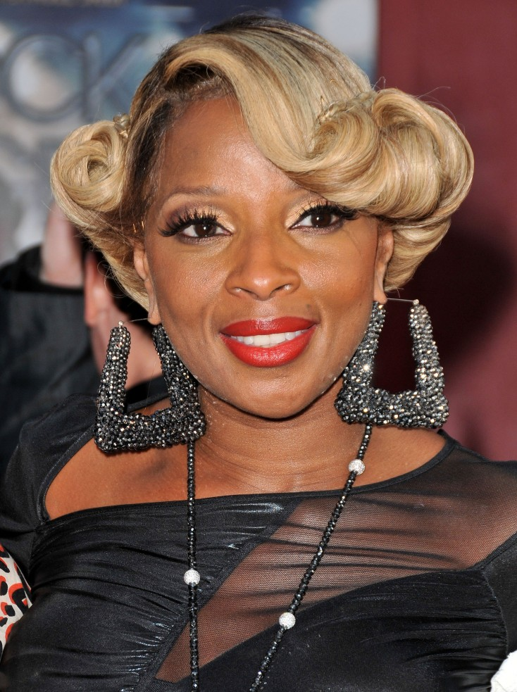 Mary J. Blige Delivers Justice in 'Rock of Ages' – 3 Photos