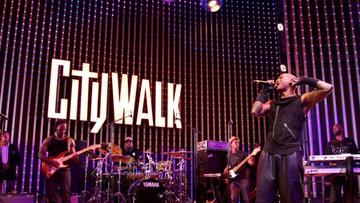 Tyrese Brings Down the House at CityWalk