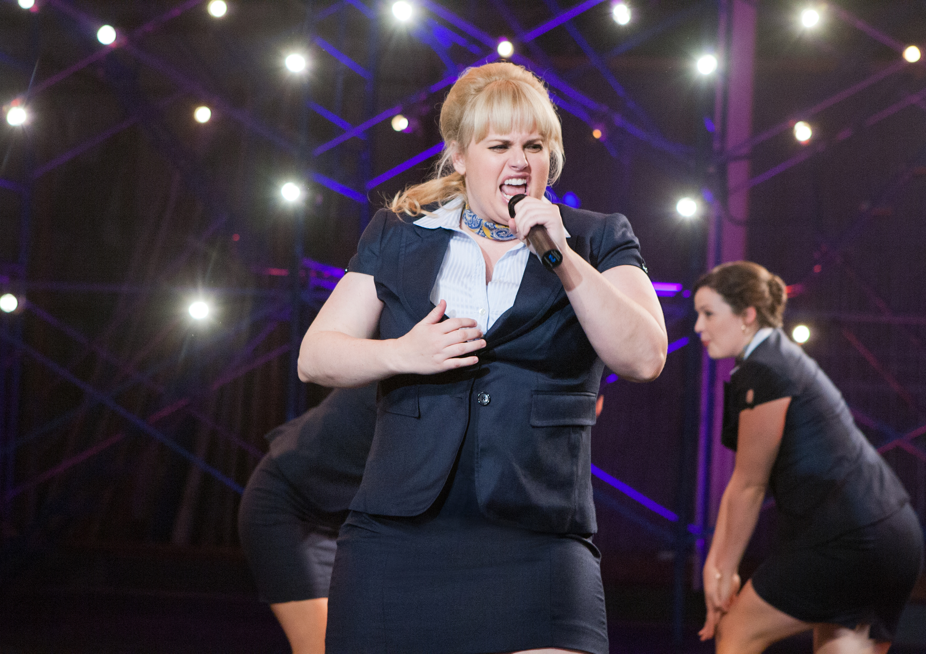 Scene stealer rebel wilson returns in 39 pitch perfect - Pitch perfect swimming pool scene ...