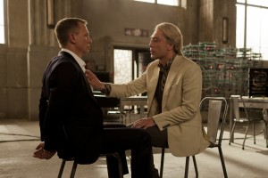 Daniel Craig (left) and Javier Bardem star in Metro-Goldwyn-Mayer Pictures/Columbia Pictures/EON Productions' action adventure SKYFALL. ©Danjaq, LLC, United Artists Corporation, Columbia Pictures Industries, Inc. CR: Francois Duhamel.