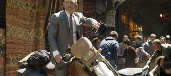 Daniel Craig Reprises Bond in 'Skyfall' – 4 photos
