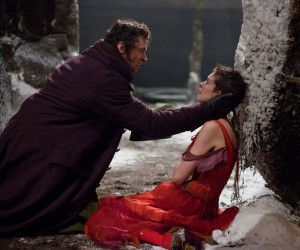 "Jean Valjean (HUGH JACKMAN) embraces a very ill Fantine (ANNE HATHAWAY) in ""Les Misérables"" ©Universal Studios. CR: Laurie Sparham."