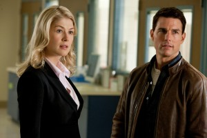 (Left to right) Rosamund Pike is Helen and Tom Cruise is Reacher in JACK REACHER. ©Paramount Pictures. CR: Karen Ballard.