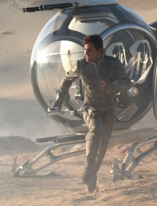 "TOM CRUISE stars as Jack Harper in ""Oblivion."" ©Universal Studios. CR: David James."