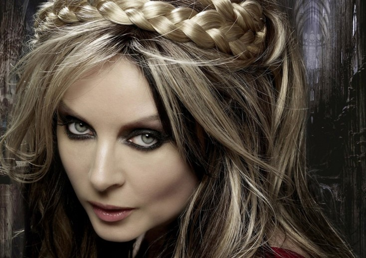Sarah Brightman Debuts Otherworldly 'Dreamchaser'
