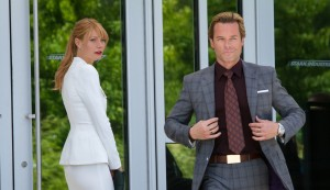 "(l-r) Pepper Potts (Gwyneth Paltrow) & Aldrich Killian (Guy Pearce) in ""Marvel's Iron Man 3."" © 2012 MVLFFLLC.  TM & © 2012 Marvel.  CR: Zade Rosenthal."