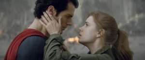 "(L-r) HENRY CAVILL as Superman and AMY ADAMS as Lois Lane in Warner Bros. Pictures' and Legendary Pictures' action adventure ""MAN OF STEEL."" ©DC Comics/Warner Bros. Entertainment."