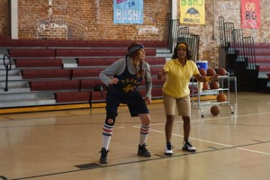"Wanda Sykes (r) trains Daryl Hannah (l) in the game of basketball in ""HOT FLASHES."" ©Vertical Entertainment."