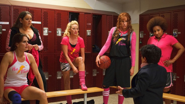 EXCLUSIVE: Hannah Hits the Hoops in 'Hot Flashes' – 4 Photos