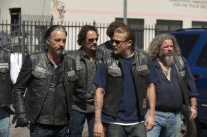 "(L-R) Tommy Flanagan as Filip 'Chibs' Telford, Kim Coates as Alex 'Tig' Trager, Charlie Hunnam as Jackson 'Jax' Teller, Mark Boone Junior as Robert 'Bobby' Munson in ""SONS OF ANARCHY."" ©FX. CR: Prashant Gupta."