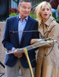 "Simon (Robin Williams, left) encourages Sydney (Sarah Michelle Gellar, right) to take the lead on an ad campaign which goes horribly awry, on ""THE CRAZY ONES."" ©CBS Broadcasting. CR: Richard Cartwright."