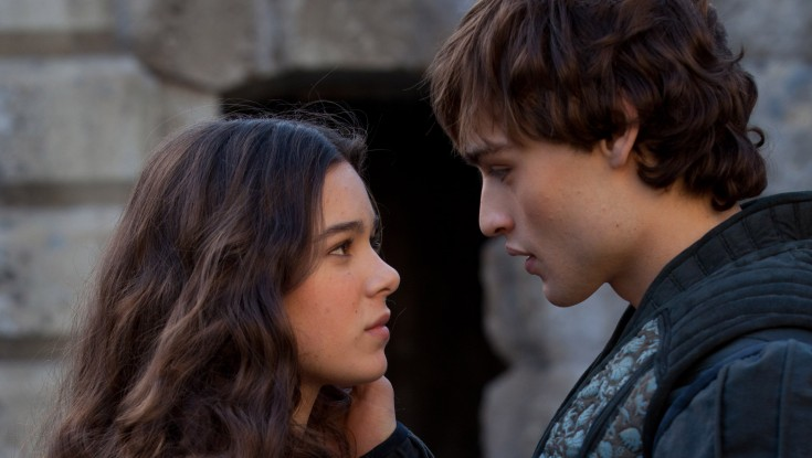 Booth Tackles the Bard in 'Romeo & Juliet' – 3 Photos