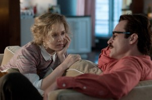 (l-r) Amy Adams as Amy and Joaquin Phoenix as Theodore in HER. ©Untitled Rick Howard Company, LLC. CR: Merrick Morton.
