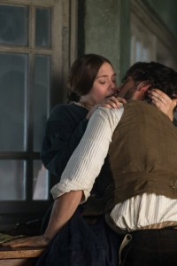 Elizabeth Olsen and Oscar Isaac star in Charlie Stratton's IN SECRET. ©Roadside Attractions. CR: Phil Bray.