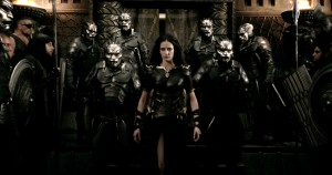 EVA GREEN stars as Artemis in 300: RISE OF AN EMPIRE. ©Warner Bros. Entertainment/Legendary Pictures Funding, LLC.