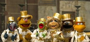 """MUPPETS MOST WANTED"" (L-R) GONZO, FOZZIE BEAR, KERMIT THE FROG, MISS PIGGY, ROWLF and SCOOTER.. Ph: Jay Maidment...©2014 Disney Enterprises, Inc. All Rights Reserved."