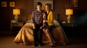 (l-r) FREDDIE HIGHMORE and VERA FARMIGA star in BATES MOTEL. ©A&E.