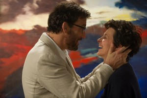 Clive Owen and Juliette Binoche star in WORDS AND PICTURES. ©Roadside Attractions. CR: Doane Gregory.
