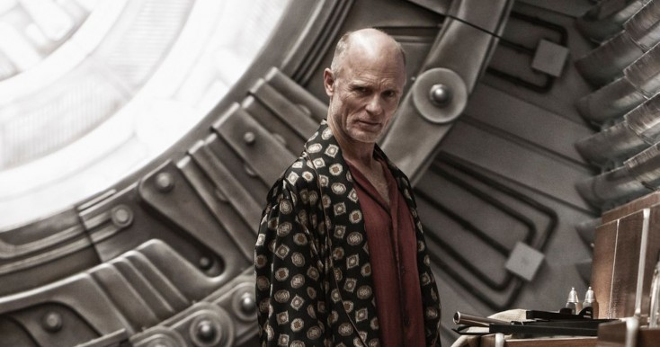 Ed Harris Engineers a Mysterious Leader in 'Snowpiercer' – 3 Photos