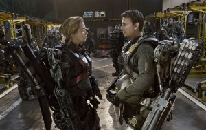 (l-r) EMILY BLUNT as Rita and TOM CRUISE as Major William Cage in EDGE OF TOMORROW. ©Warner Bros. Entertainment. CR: David James.