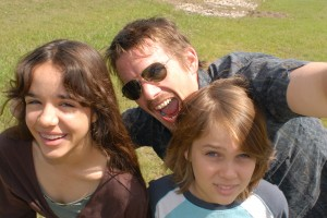 Samantha (Lorelei Linklater), Mason Sr. (Ethan Hawke), and Mason (Ellar Coltrane), age 9, in Richard Linklater's BOYHOOD. ©IFC Films. CR: Matt Lankes.