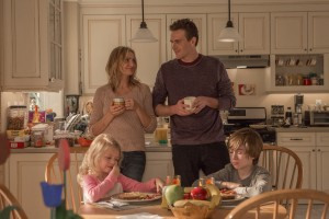 Annie (Cameron Diaz) and Jay (Jason Segel) with their kids Nell (Giselle Eisenberg) and Clive (Sebastian Thomas) in Columbia Pictures' SEX TAPE. ©CTMG. CR: Claire Folger.