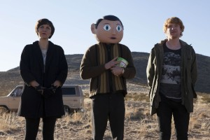 Maggie Gyllenhaal, Michael Fassbender and Domhnall Gleeson in FRANK. ©Magnolia Picxtures.