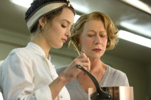 (-r) CHARLOTTE LE BON as Marguerite and HELEN MIRREN as Madam Mallory in THE HUNDRED-FOOT JOURNEY. ©Dreamworks. CR: Francois Duhamel.