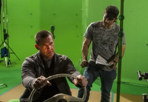 (l-r) JOSH BROLIN and ROBERT RODRIGUEZ on the set of SIN CITY: A DAME TO KILL FOR. ©Dimension Films.