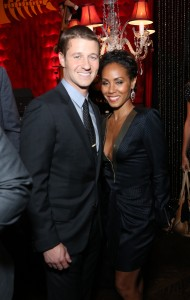(L-R) GOTHAM cast members Ben McKenzie and Jada Pinkett Smith celebrate during the GOTHAM Series Premiere Event held at the New York Public Library in New York City. ©Fox Broadcasting.