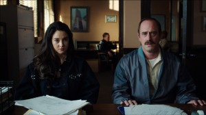 Shailene Woodley and Christopher Meloni in WHITE BIRD IN A BLIZZARD. ©Magnolia Pictures.