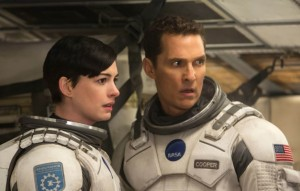 (l-r) Anne Hathaway and Matthew McConaughey in INTERSTELLAR. ©Paramount Pictures/Warner Bros. Entertainment. CR: Melinda Sue Gordon.