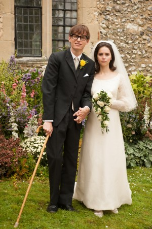 (L to R) Eddie Redmayne stars as Stephen Hawking and Felicity Jones stars as Jane Wilde in Academy Award winner James Marsh's THE THEORY OF EVERYTHING. ©Focus Features. CR: Liam Daniel.