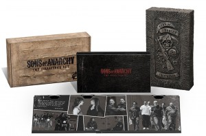 Sons of Anarchy: The Collector's Set (DVD Box Set Art). ©20th Century Home Entertainment.