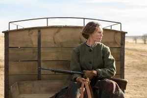 Hilary Swank stars in THE HOMESMAN. ©Roadside Attractions. CR: Dawn Jones.