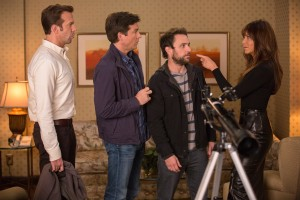 (l-r) Jason Sudeikis, Jason Bateman, Charlie Day and Jennifer Aniston star in HORRIBLE BOSSES 2. ©Warner Bros. Entertainment. CR: John P. Johnson.