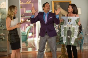 Gretchen Palmer (Kaley Cuoco-Sweeting), Edmundo (Ignacio Serricchio) and Lois Palmer (Mimi Rogers) in Screen Gems' THE WEDDING RINGER. ©Screen Gems. CR: Matt Kennedy.
