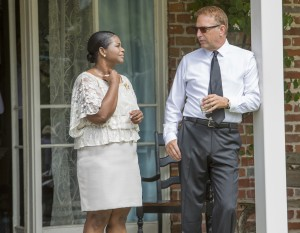 Kevin Costner (r) and Octavia Spencer star in Relativity Media's BLACK OR WHITE.    © 2014 BLACKWHITE, LLC. CR: Tracey Bennett