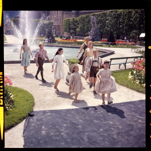 Maria (Julie Andrew, back right) with the children of THE SOUND OF MUSIC. ©20th Century Fox Home Entertainment.