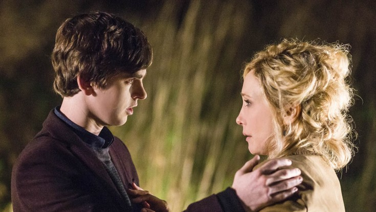 Photos: Vera Farmiga Checks Back into 'Bates Motel'