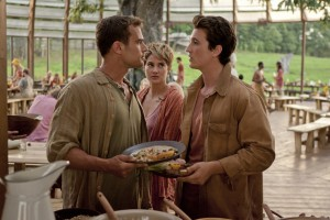 Four (Theo James, left), Tris (Shailene Woodley, center) and Peter (Miles Teller, right) in THE DIVERGENT SERIES: INSURGENT. ©Summit Entertainment. CR: Andrew Cooper.