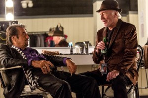 (l-r) Al Pacino and Christopher Plummer star in DANNY COLLINS. ©Bleecker Street. CR: Hopper Stone.