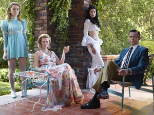 (l-r) Kiernan Shipka as Sally Draper, January Jones as Betty Francis, Jessica Pare as Megan Draper and Jon Hamm as Don Draper star in MAD MEN. ©AMC. CR: Frank Ockenfels 3/AMC