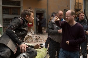(l-r) Jeremy Renner (Hawkeye) with Director Joss Whedon on the set of MARVEL'S AVENGERS: AGE OF ULTRON. ©Marvel. CR: Jay Maidment.