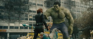 (l-r) Black Widow (Scarlett Johansson) and Hulk (Mark Ruffalo) in MARVEL'S AVENGERS: AGE OF ULTRON. ©Marvel.