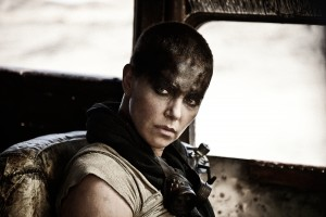Charlize Theron stars as Furiosa in MAD MAX: FURY ROAD. ©Warner Bros. Entertainment. CR: Jasin Boland