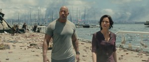 Dwayne Johnson as Ray and Alexandra Daddario as Blake in SAN ANDREAS. ©Warner Bros. Entertainment. CR: Jasin Boland.